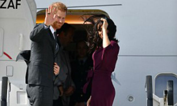 Prince Harry and Meghan Markle waves goodbye to Australia