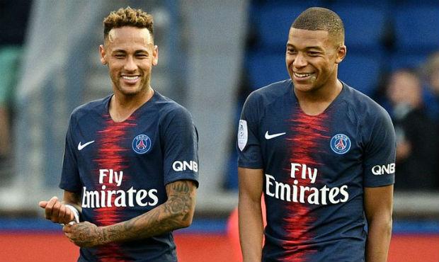 Neymar's possible move to Barcelona