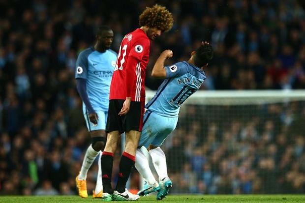 Kun Aguero red card