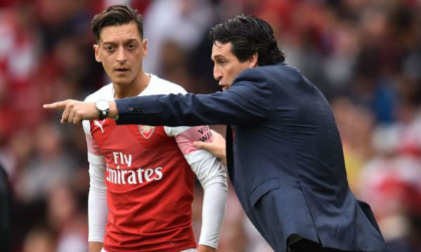Unai Emery believes Mesut Ozil's salary is not important