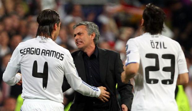 Santiago Solari 'will feel Mourinho's breath'
