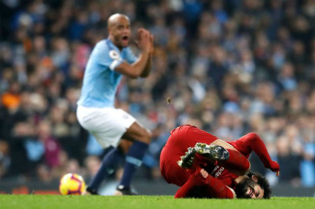 Vincent Kompany should have been shown a red card