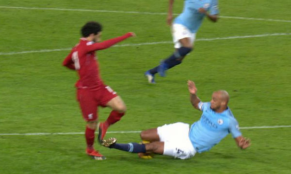 Jurgen Klopp believes Vincent Kompany should have been shown a red card
