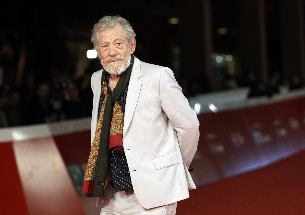 Ian McKellen has apologized for remarks about Spacey, Singer